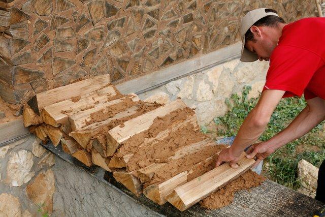 Построить дом своими руками с глины